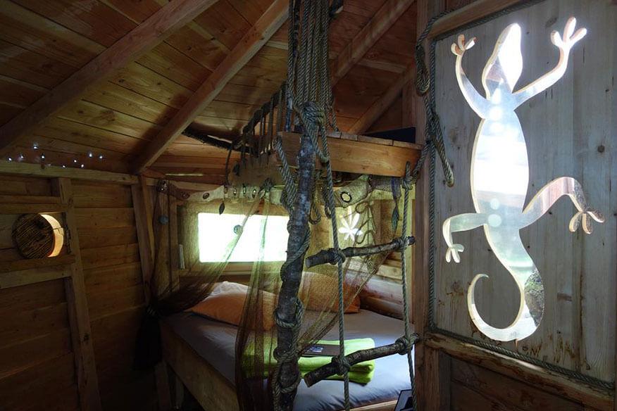 Baumhaushotel Pyrenaeen Schlafbereich