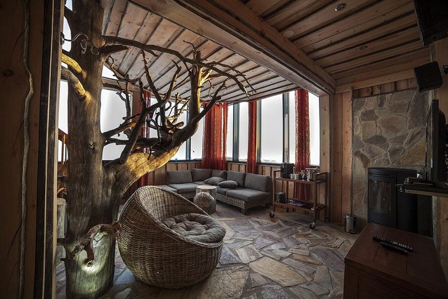 Baumhaushotel Eagles View Suite Wohnzimmer